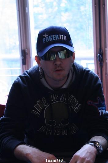 Premier éliminé chez les qualifiés poker770