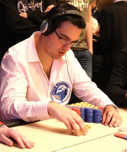 Main Event: 17 joueurs et Marc Inizan toujours in