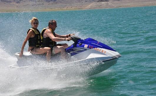 Guillaume et Caroline en jet-ski
