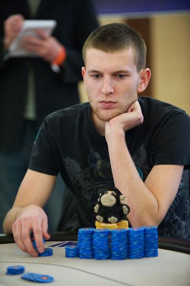 Vladimir Geshkenbein chip-leader